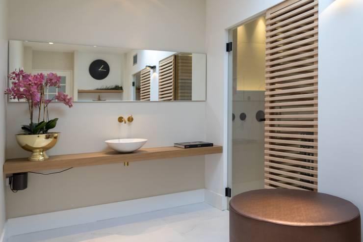 Badkamer Met Sauna : Cleopatra sauna in een klassieke badkamer in amstelveen door
