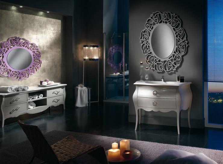 Arredo bagno artigianale: Bagno in stile  di Ferrari Arredo & Design