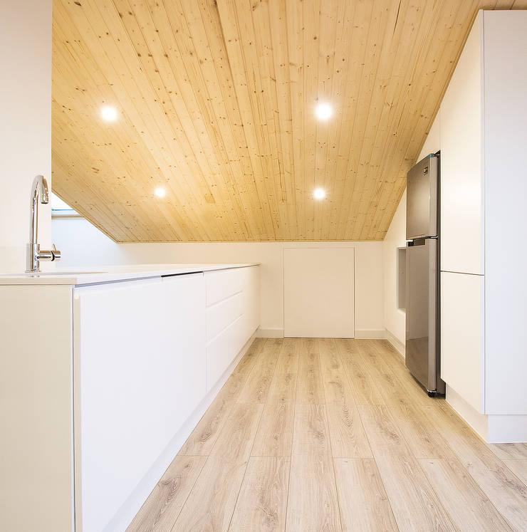 Dapur oleh Homestories, Skandinavia