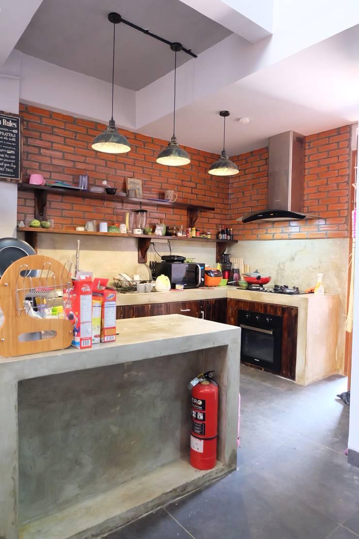 Dapur:  Dapur by FIANO INTERIOR