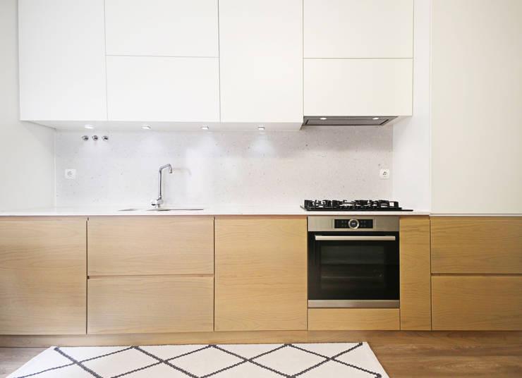 COZINHA DA MARIA LEONOR: Cozinhas  por Homestories