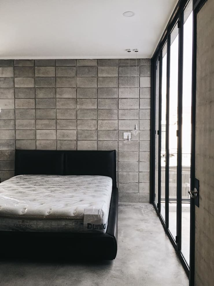 M3 House by Atelier ACID:  Phòng ngủ by Atelier Acid