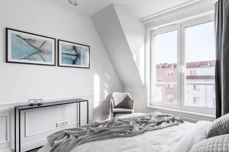 Camera da letto in stile  di Anna Serafin Architektura Wnętrz, Eclettico