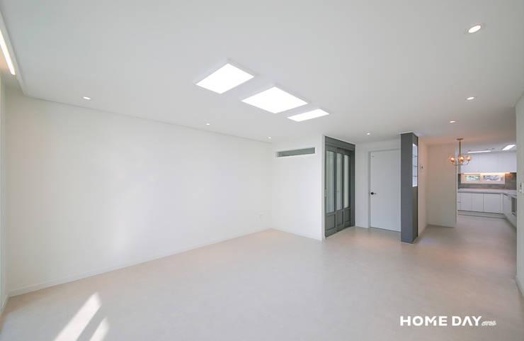 비포&애프터, 33평 아파트 그레이 모던 인테리어: 홈데이원의