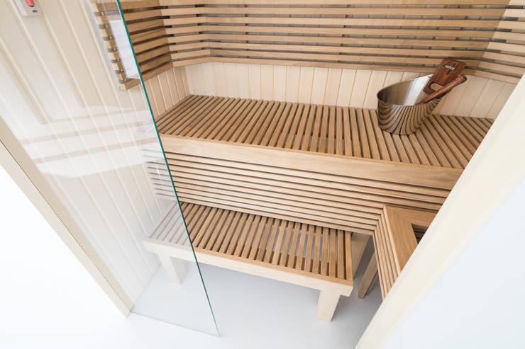 Houten Cleopatra sauna bank:  Badkamer door Cleopatra BV, Modern Hout Hout