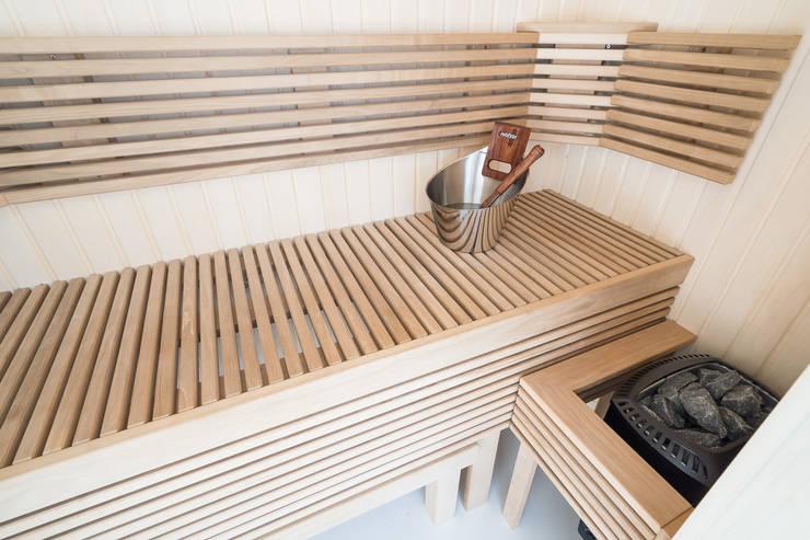 Moderne Cleopatra sauna impressie:  Badkamer door Cleopatra BV, Modern Hout Hout