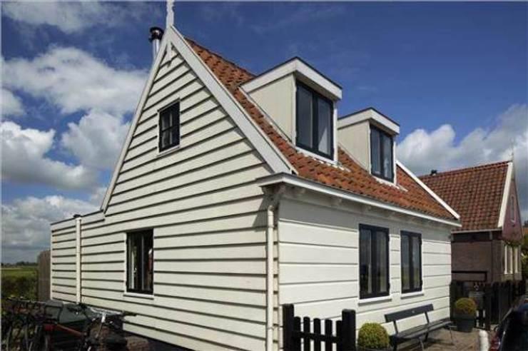 Maisons de style  par Dineke Dijk Architecten