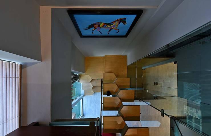 masterpiece staircase :  Corridor & hallway by Design Paradigm