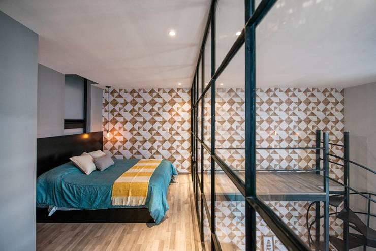 Ruang Keluarga oleh ESTUDIO TANGUMA, Modern Beton