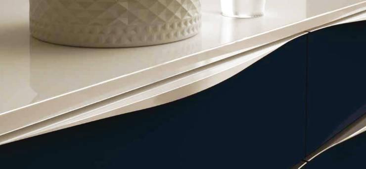 โดย Omar Interior Designer Empresa de Diseño Interior, remodelacion, Cocinas integrales, Decoración โมเดิร์น แผ่นไม้อัด