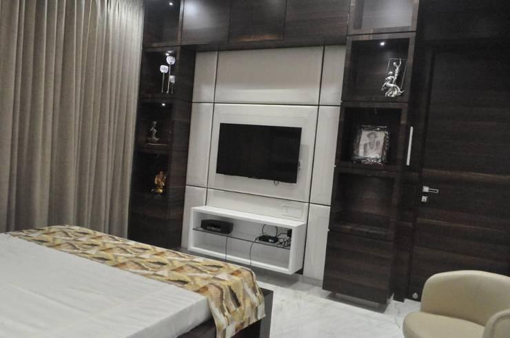 Premium apartments in Bhosale nagar:  Bedroom by The Wood Works Club,Asian