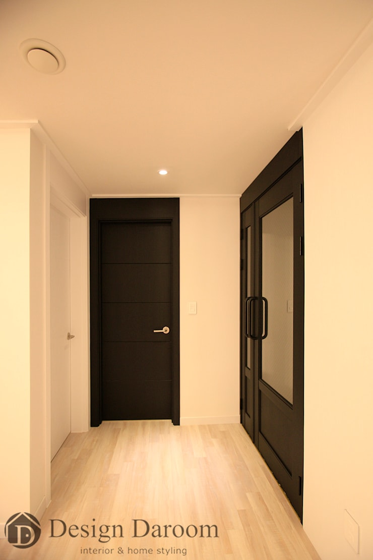 수유 두산위브 아파트 34py 현관복도: Design Daroom 디자인다룸의  복도 & 현관,모던