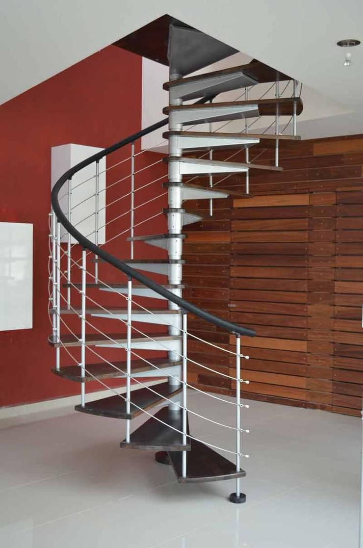 Escalera Caracol Modelo Tikal De Suvire Escaleras Homify - Escaleras-de-caracol
