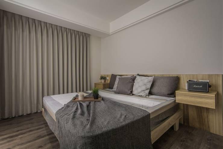 溯光質樸:  臥室 by 知域設計