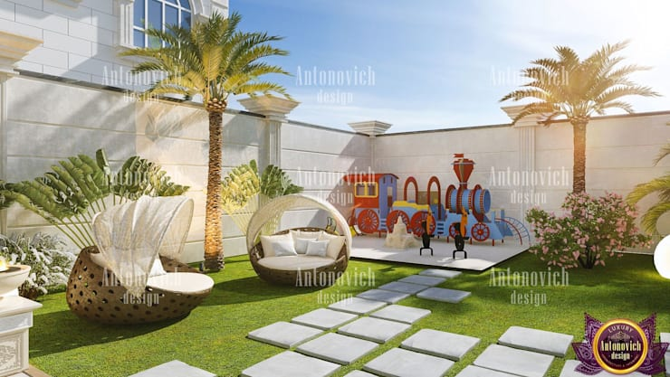 Landscaping of the future from Katrina Antonovich:  Houses by Luxury Antonovich Design