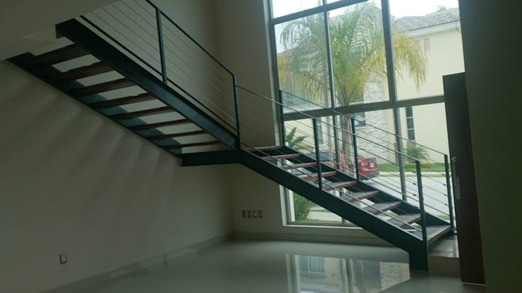 la cima 167: Escaleras de estilo  por PESA ARQUITECTOS