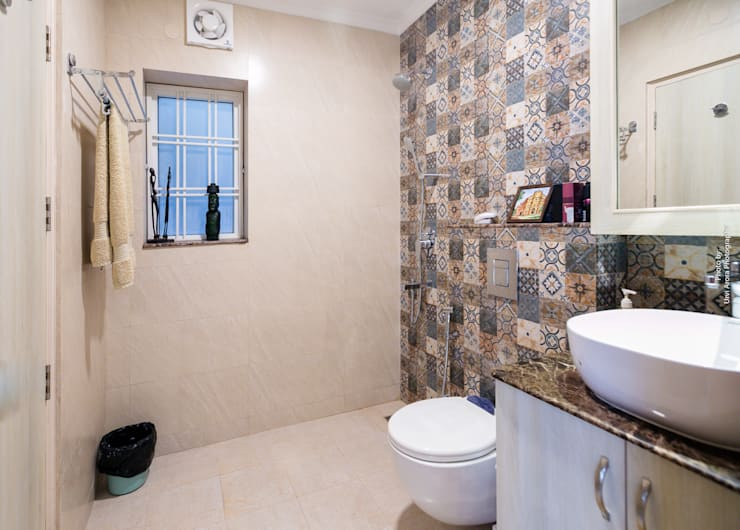 Home Renovation:  Bathroom by Rennovate Home Solutions pvt ltd