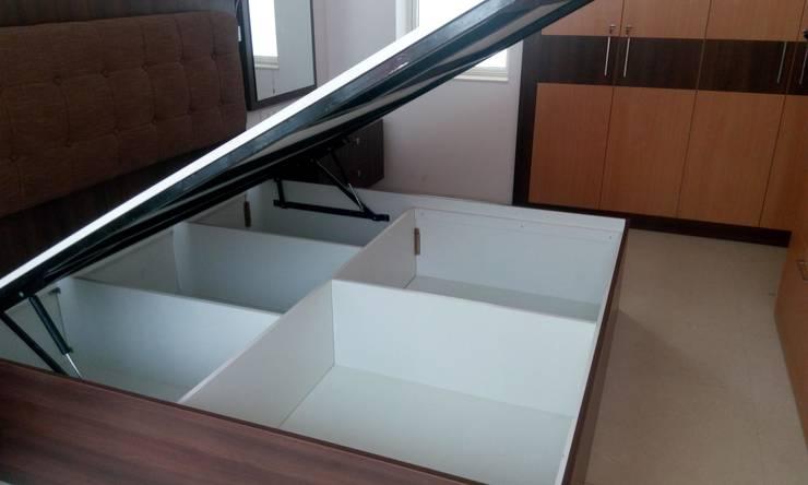 kanjurmarg Furniture: modern Bedroom by Rennovate Home Solutions pvt ltd