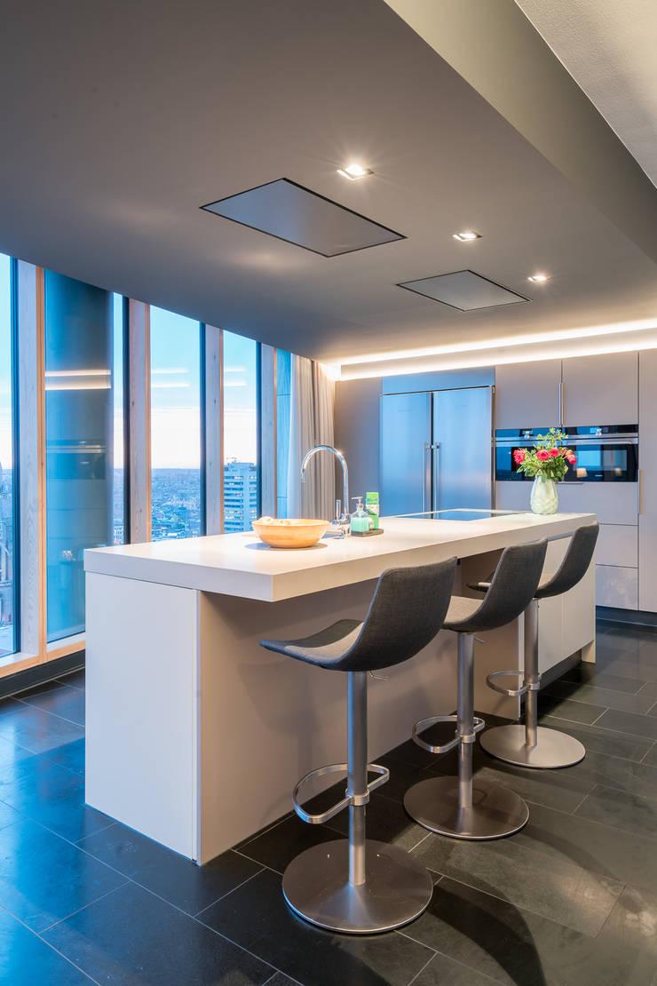 Penthouse:  Keuken door B-TOO