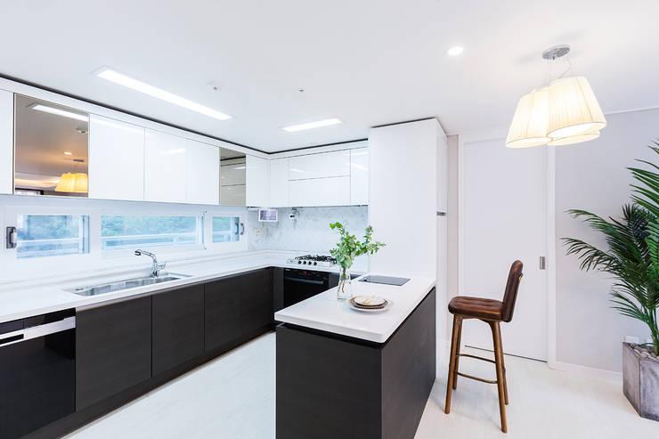 동탄 2 애듀밸리 사랑으로 부영아파트 인테리어: N디자인 인테리어의  주방,모던