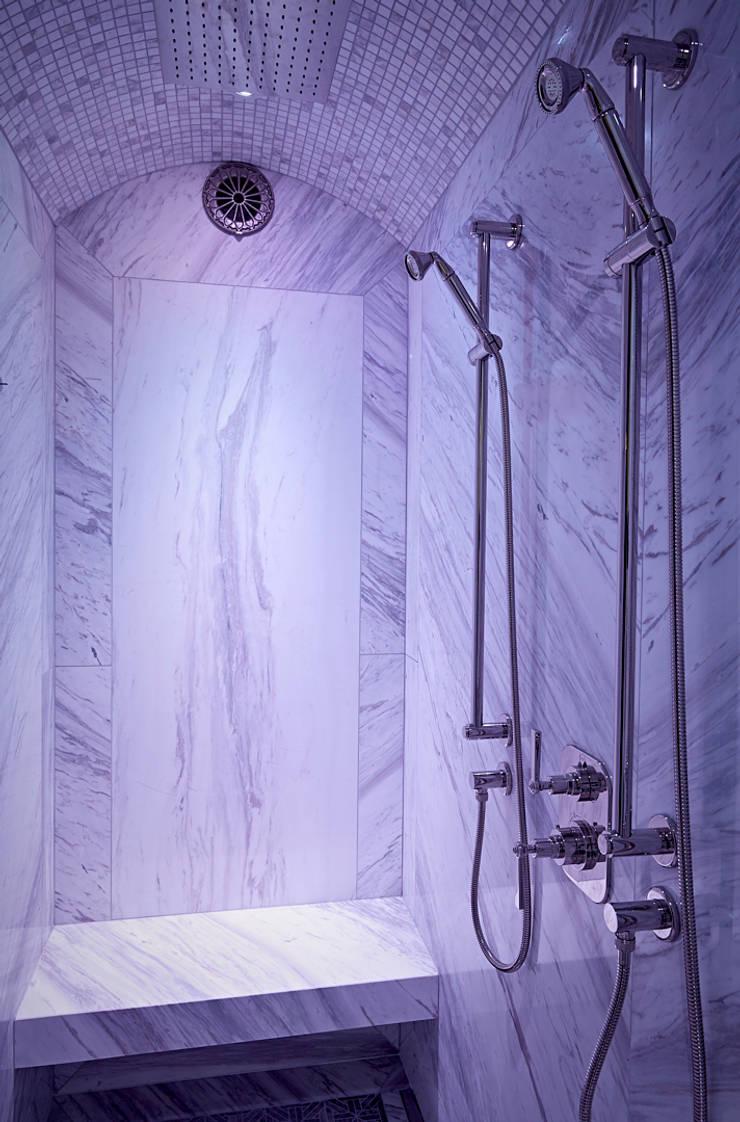 Luxe Cleopatra douchecabine:  Badkamer door Cleopatra BV, Modern