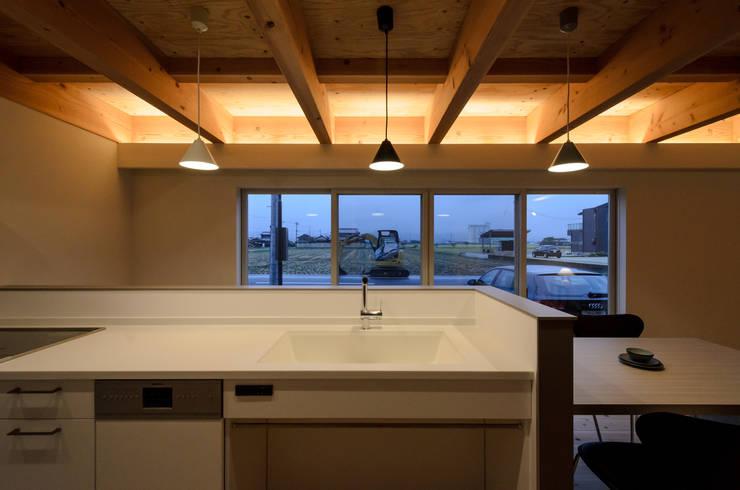 Scandinavian style windows & doors by 風景のある家.LLC Scandinavian Wood Wood effect