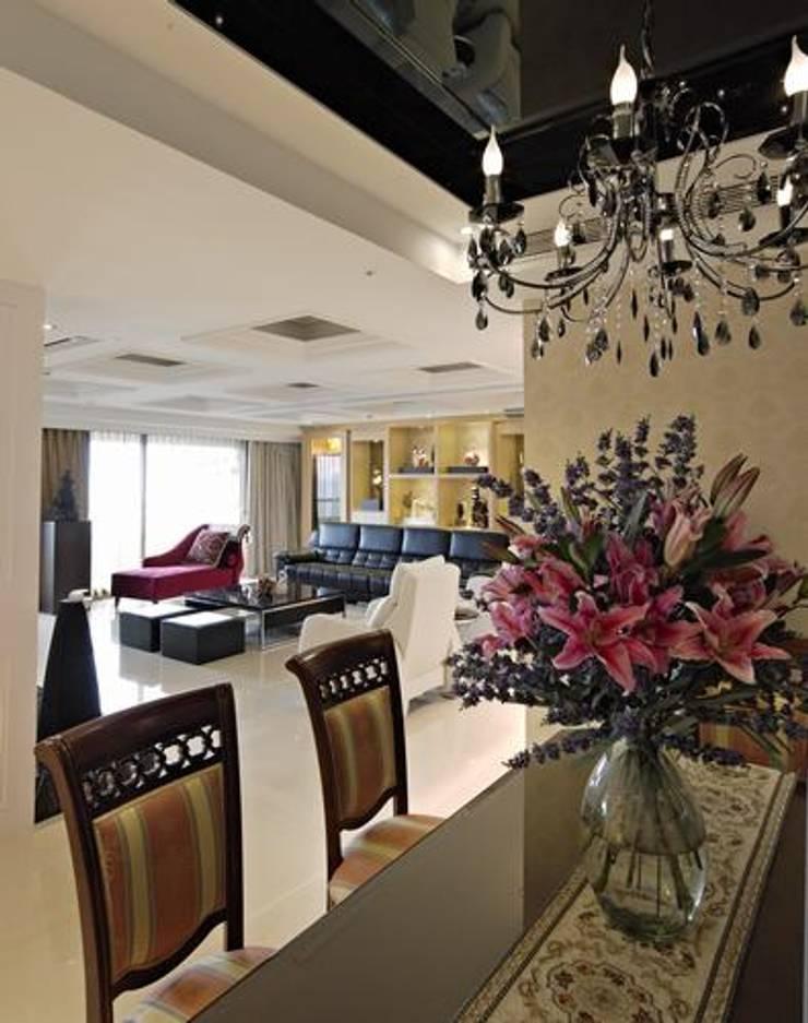 客、餐廳:  室內景觀 by 龐比度空間規劃