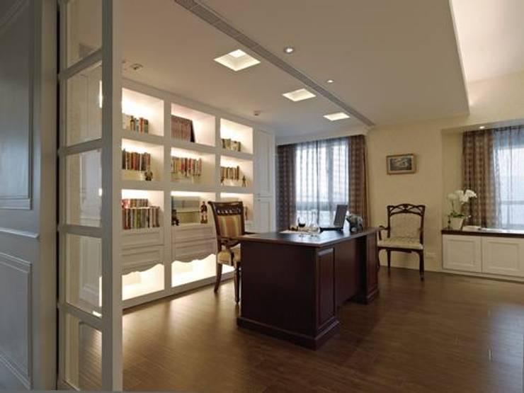 書房:  書房/辦公室 by 龐比度空間規劃