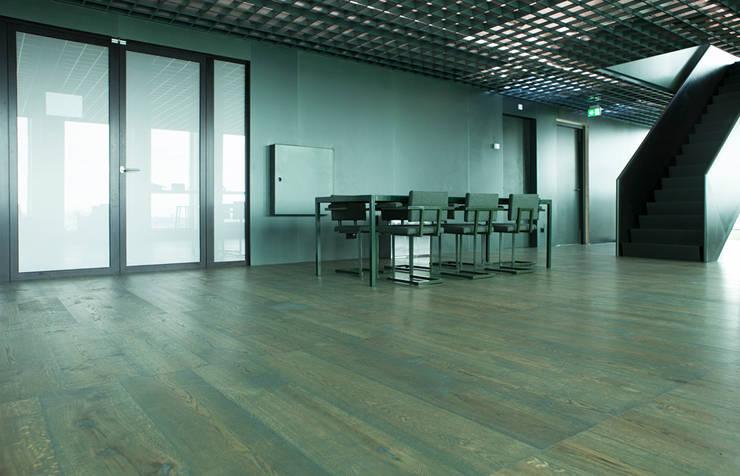Wood flooring in A'dam Tower:  Kantoorgebouwen door Uipkes Wood Flooring, Klassiek