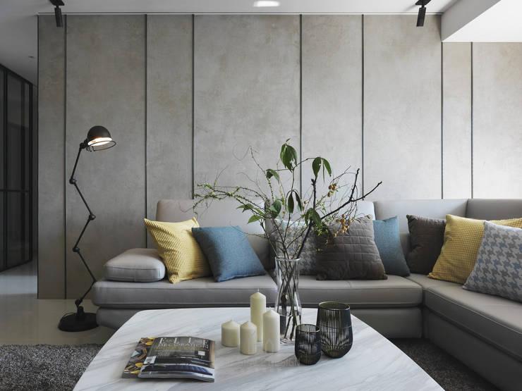 雙橡園Y宅:  客廳 by Ho.space design 和薪室內裝修設計有限公司