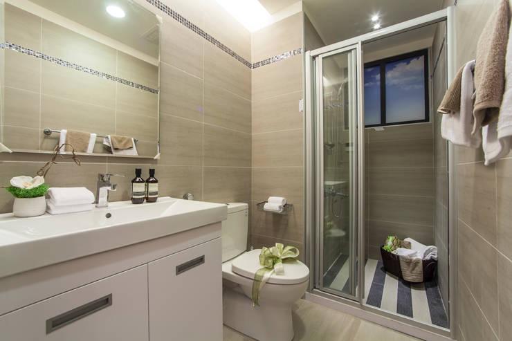 混搭 / 新婚居:  浴室 by 騰龘空間設計有限公司