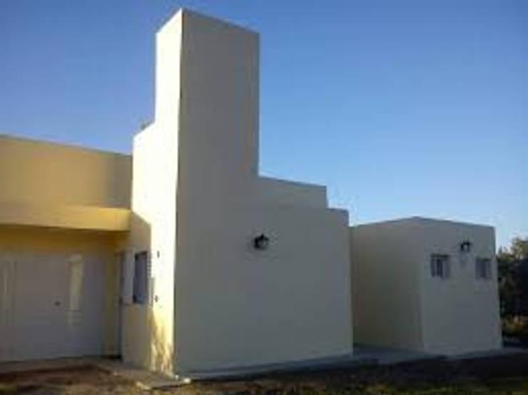 CASA DE CAMPO , EN TANTI , CÓRDOBA , ARGENTINA: Casas de campo de estilo  por arq5912  Arquitectura y Construcción,