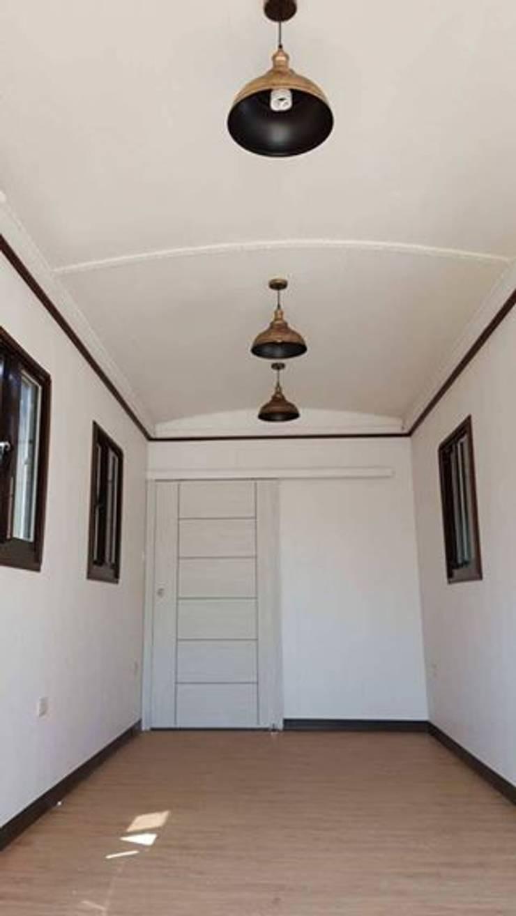 度假鋼構屋:  牆壁與地板 by 好適屋 House Box