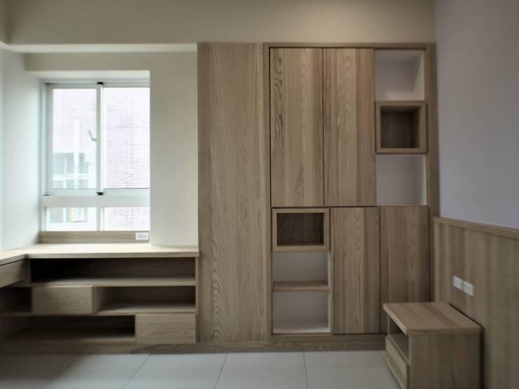 氧光-沐屋:  臥室 by 喬克諾空間設計