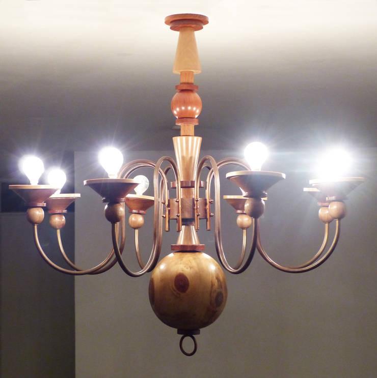 Luminaria Dutchwoood: Hogar de estilo  por Fernando Borda Arquitectura de Interiores,