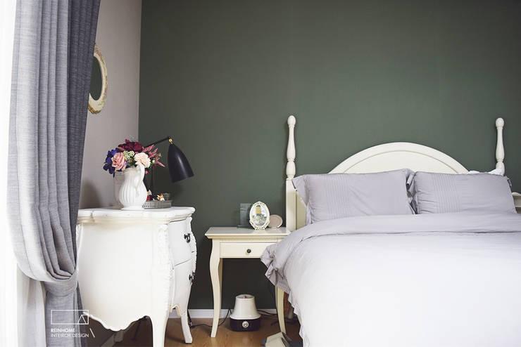 남양주시 다산신도시 아이파크: 리인홈인테리어디자인스튜디오의  침실