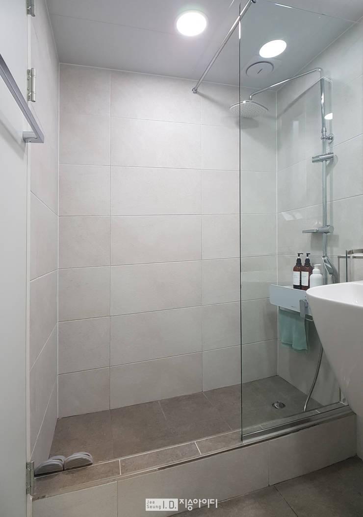 미니멀, 트렌디하게 향촌현대 4차아파트 32평: 지승아이디의  욕실,미니멀
