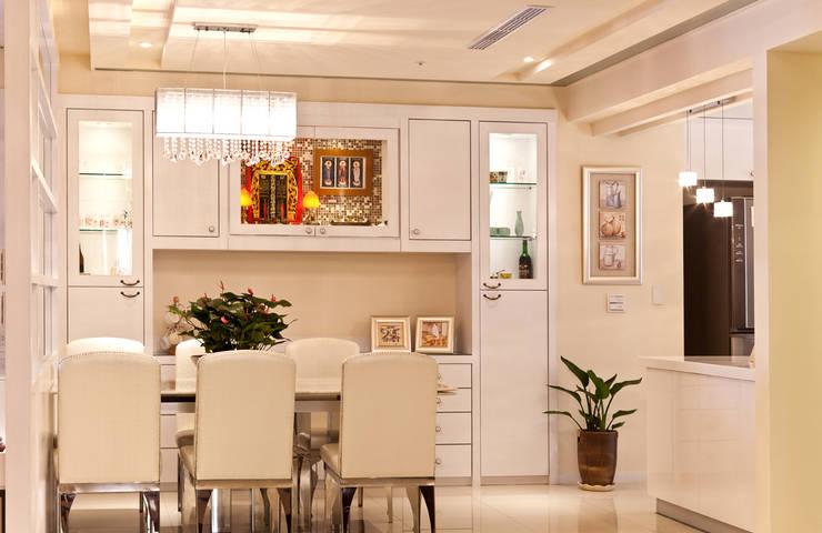 雋:  餐廳 by 松泰室內裝修設計工程有限公司