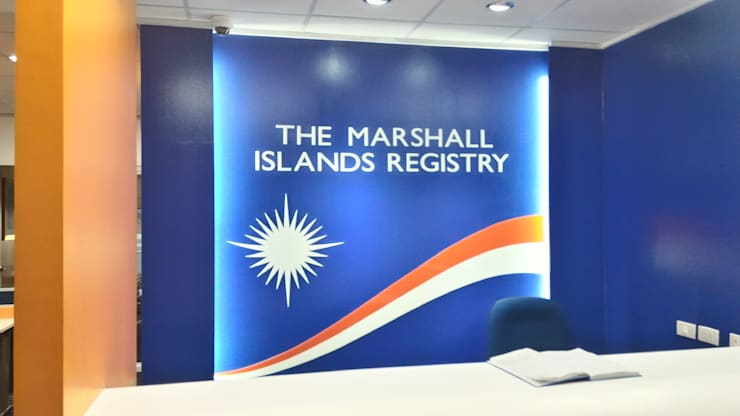 Marshall Islands Registry Manila Office:  Offices & stores by KDA Design + Architecture