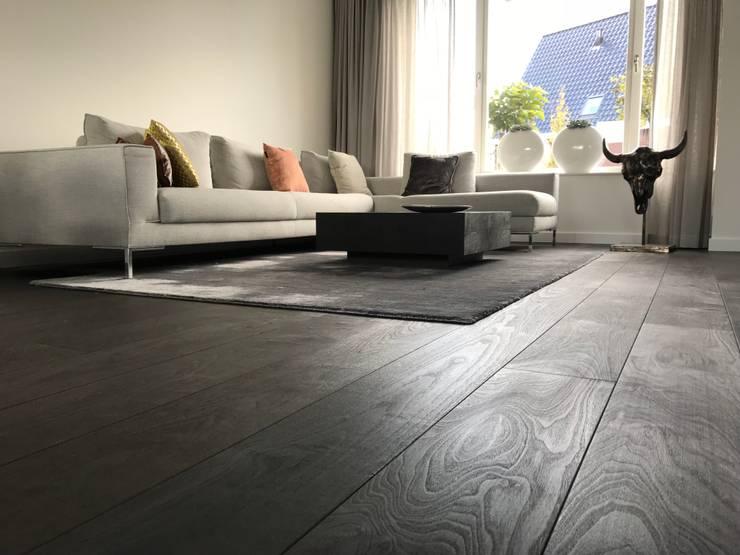 Amerikaans Walnoten - Black Burned Bronze:  Vloeren door ARDEE Parket Interieur Design, Modern Hout Hout