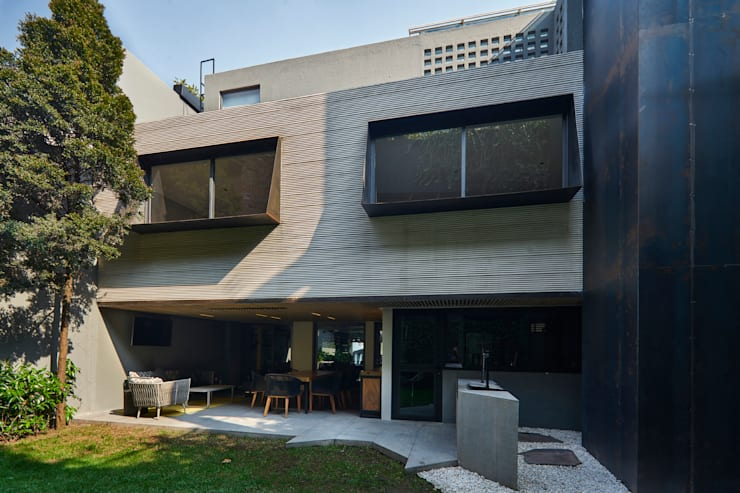 CASA CALAVERA: Terrazas de estilo  por HDA: ARQUITECTURA BIOCLIMATICA