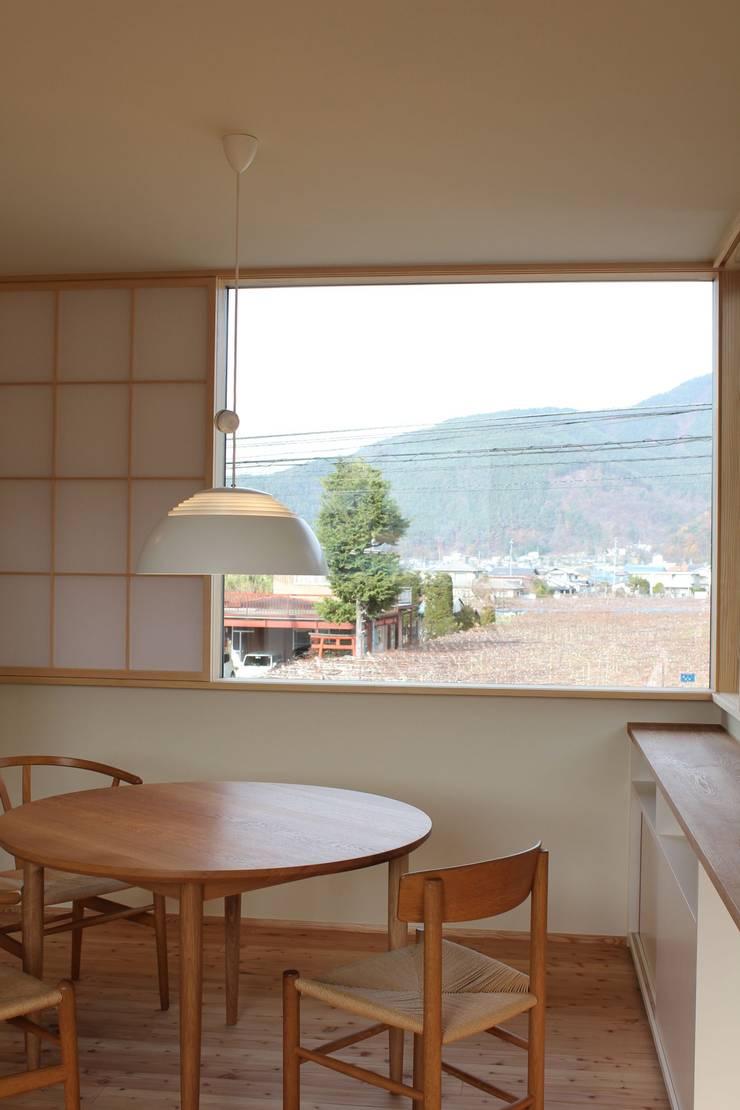 Salle à manger de style  par 北村建築設計事務所, Moderne