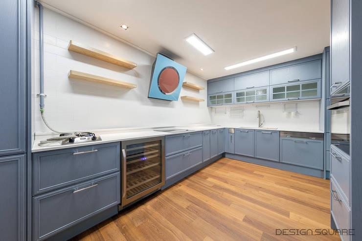Kitchen by 디자인스퀘어