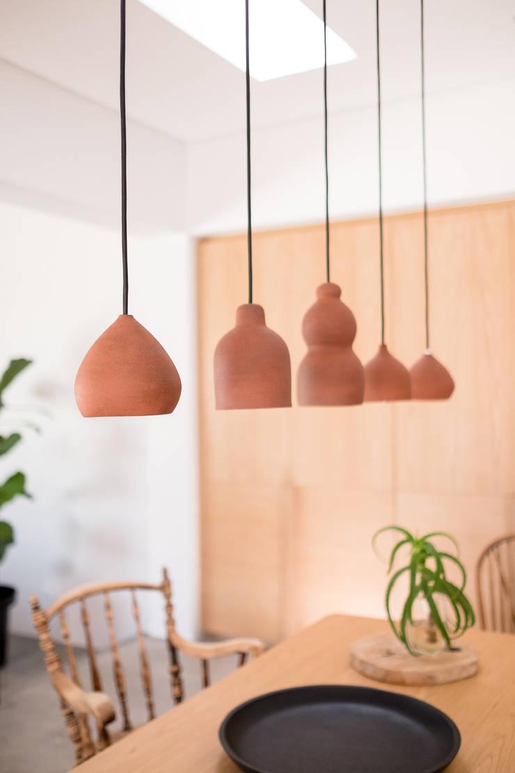 Project: Volstruis Ave, Yzerfontein:  Dining room by de Beyer Design Studio