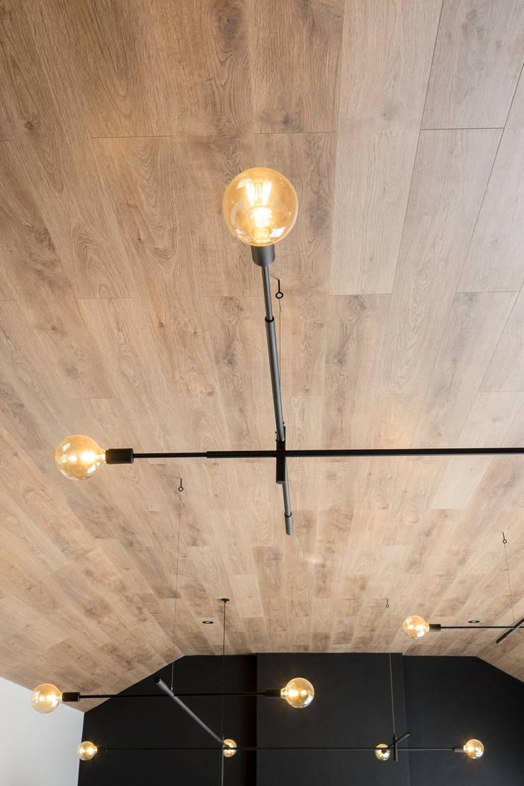 Project: Volstruis Ave, Yzerfontein:  Living room by de Beyer Design Studio