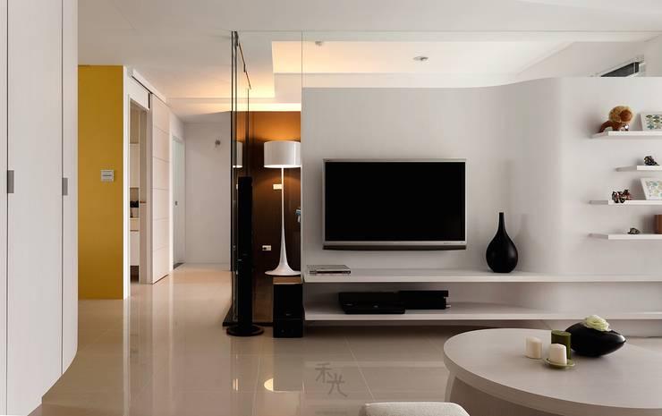 室內設計,空間設計,室內裝修,居家設計:  客廳 by 禾光室內裝修設計 ─ Her Guang Design