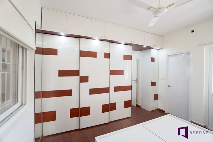 Subhra and Bharta's apartment in MJR Pearl,Kadugudi,Bangalore:  Bedroom by Asense,Modern