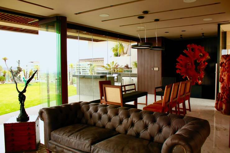 Casa : Salas de estilo  por Structure Diseño & Arquitectura