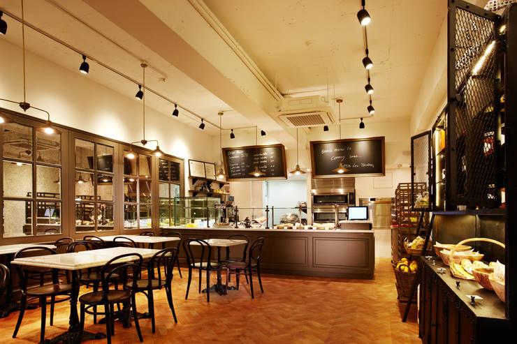 53 Bread kitchen [53 브레드 키친]: 바나나피쉬의  계단,