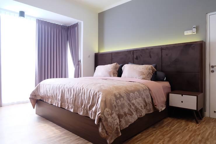 Kamar Tidur Utama I:  Bedroom by FIANO INTERIOR